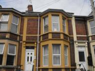 Flat to rent in Warden Road, Bedminster...