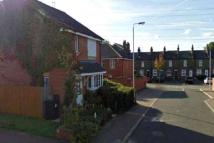 3 bedroom semi detached house to rent in Edmund Hurst Drive...