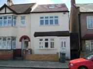 4 bedroom house in Trevelyan Road, Stratford