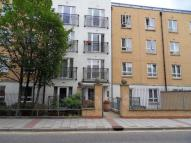Apartment to rent in Windmill Lane, Stratford