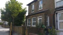 Flat to rent in Glyn Road First Floor...