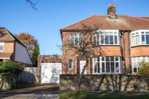 3 bed semi detached house in Woodlands, Gosforth...