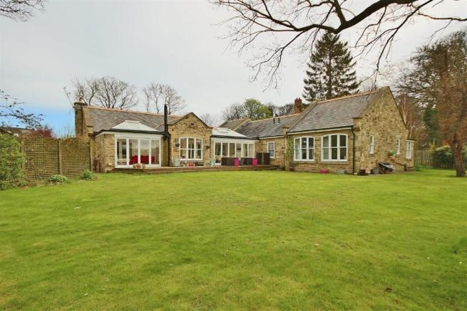 4 bedroom detached bungalow for sale in The Garden House