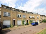 Farnborough Crescent Terraced property to rent