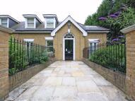 Flat to rent in Beckenham Lane, BROMLEY...