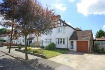 3 bed semi detached property to rent in Queensway, WEST WICKHAM...