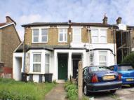 1 bedroom Flat to rent in Bensham Manor Road...