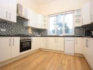 3 bedroom Flat in Rosendale Road, LONDON