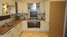 Town House to rent in Argyll Court, Bingley...