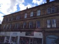 Flat to rent in Main Street, Keighley...