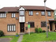 Town House to rent in Whilton Crescent...