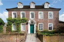 9 bedroom Detached house in High Street, Uckfield...