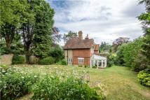3 bed semi detached house for sale in Chestnut Avenue...