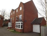 4 bedroom semi detached house to rent in Glassbrook Road, Rushden...