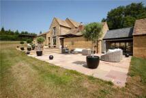 5 bedroom Detached house in Cross Hands Hill...