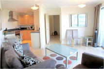2 bed Flat to rent in Trentham Court...
