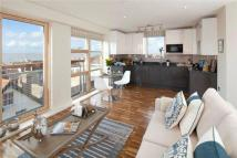 2 bed Flat in Penthouse...
