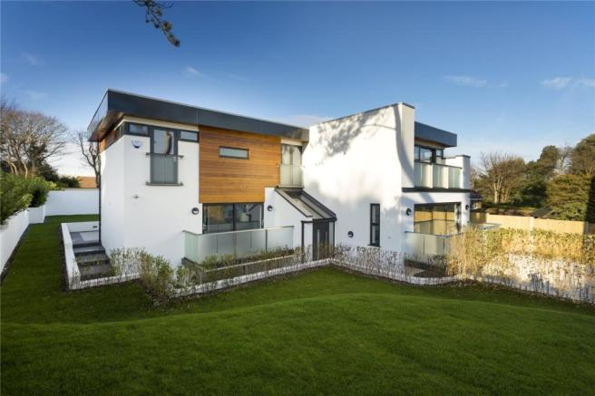 5 bedroom detached house for sale in sea view road st