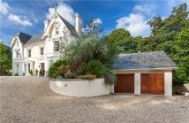7 bedroom Detached property in Lansdowne Road...