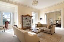 5 bedroom Detached house in Ridgeway Road, Torquay...