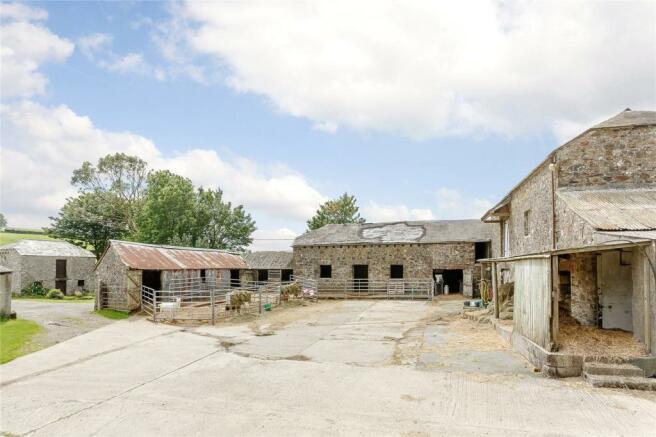 Courtyard Barns