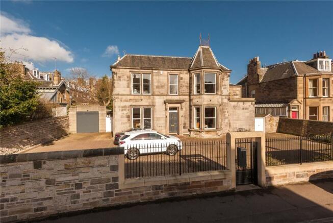 7 bedroom detached house for sale in tipperlinn road