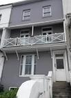 Flat to rent in 4 Wellington Terrace...