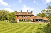 6 bedroom Detached home in Forty Green...
