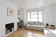 1 bedroom Flat in Kinnoul Road...