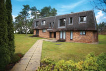 Flat for sale in 16 Glamis Court...
