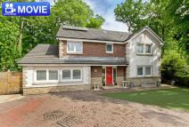 Detached house in 4 Manor Park Avenue...