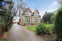 Detached Villa in 99 East Kilbride Road...