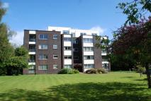 3 bed Flat in Apartment 2C...