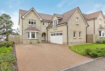 Detached Villa for sale in 24 Foxglove Road...