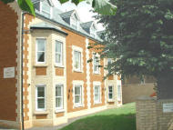 2 bed Apartment to rent in Howdale Road...
