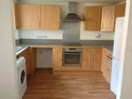Flat to rent in London Road, Romford