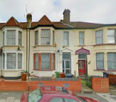 Cecil Avenue Terraced property to rent