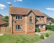 4 bedroom Detached house in New Rectory Lane...