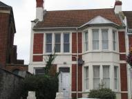 1 bed house in High Street...