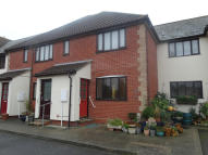 2 bed Ground Flat to rent in Station Road...