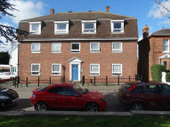 2 bed Flat to rent in Victoria Place...
