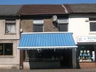 Flat to rent in 101 Neath Road...