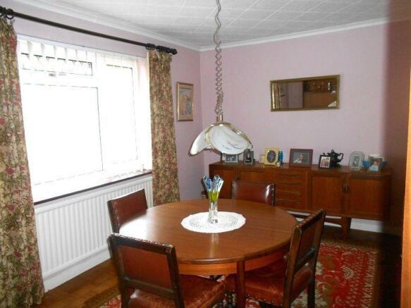 Bedroom 1 / Dining Room