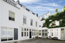 Mews to rent in Sussex Mews West, London