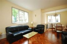 2 bed Flat to rent in Hyde Park Square...