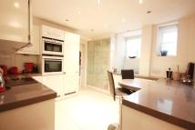 Flat to rent in Maitland Court...