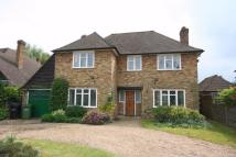 3 bed Detached home in Copthall Lane...