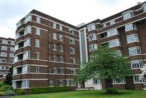Flat in 56 Kelvin Court...