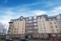 Flat for sale in  172 Crow Road...