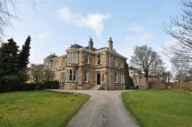 3 bed Ground Flat in 32 Dalziel Drive...